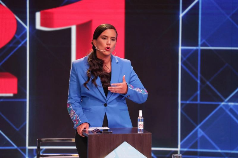 Verónika Mendoza, candidata a la presidencia del Perú durante el debate del 29 de marzo. Credit Foto de archivo de Sebastian Castaneda/EPA vía Shutterstock