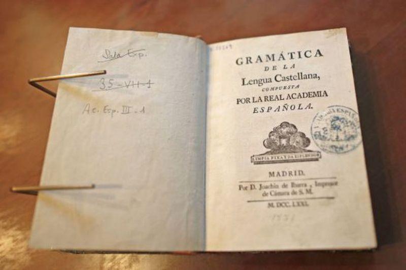 Gramática del castellano de la Real Academia de la Lengua, publicada en 1771.SAMUEL SÁNCHEZ