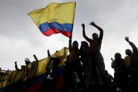 Colombia no puede darse el lujo de permitir que los enfrentamientos en sus calles se sigan intensificando. Credit Luisa Gonzalez/Reuters