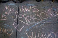 Mensaje escrito con tiza en una acera del Upper West Side en Manhattan en agosto de 2020.CARLO ALLEGRI / Reuters