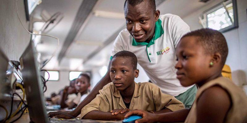 Reimaginar la educación para todos en África