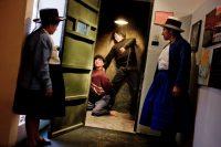 En el Museo de la Memoria, creado por iniciativa de la Asociación Nacional de Familiares de Secuestrados y Detenidos Desaparecidos del Perú, en Ayacucho, hay una replica de una sala de tortura durante los años de violencia de Sendero Luminoso. Credit Tomas Munita para The New York Times
