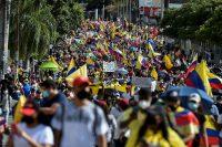 Manifestantes en una jornada de protestas contra el Gobierno de Iván Duque, en Cali, Colombia, el pasado 19 de mayo.LUIS ROBAYO / AFP