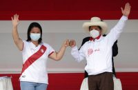 Los candidatos a la presidencia de Perú: Keiko Fujimori, a la izquierda, y Pedro Castillo. Credit Reuters