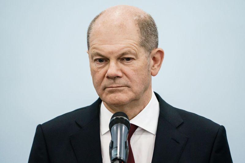 Olaf Scholz , durante una rueda de prensa sobre las conversaciones para formar gobierno en Alemania.CLEMENS BILAN (EFE)