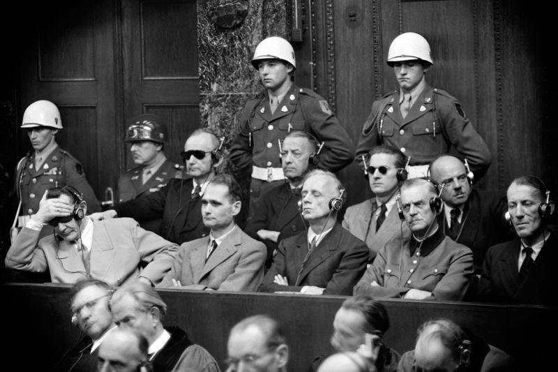 1946, at the Nuremberg trial. From left to right, front row, in the dock: Hermann Goering, Rudolf Hess, Joachim Von Ribbentrop, Wilhelm Keitel, Ernst Kaltenbrunner. © Stringer / AFP